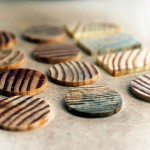 Schlossholz - exklusiver Schmuck aus der Gruendungskonstruktion des Berliner Schlosses / wood - exclusive jewlery made from the historical wood of the Berlin City Castle (c) Tyler Pesek. Bildquellenvermerk: Schlossholz/ Tyler Pesek.